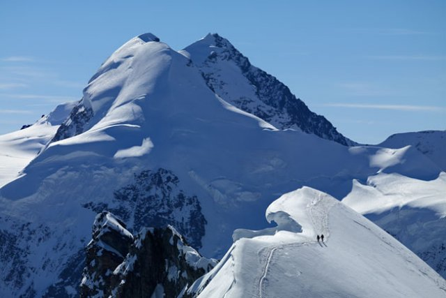 Walking on theBreithorn east ridge